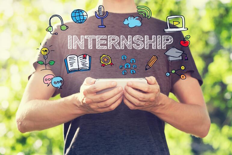 How to Stand Out from the Crowd and Make Your Mark at Your Summer Internship